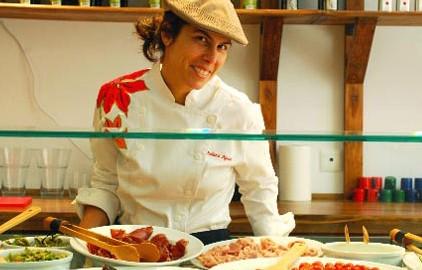 Juliana Aguiar en Santo Restaurante & Deli