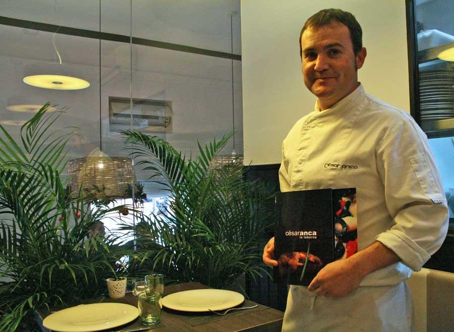 El cocinero César Anca en su flamante Taberna madrileña