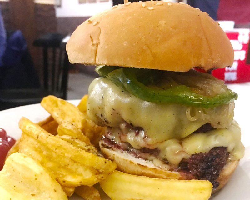 Cheesburger en Alfredo's Barbacoa